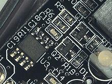 Ejemplo de serigrafía en la cara de componentes, cada componente tiene indicada su posición mediante un designador único