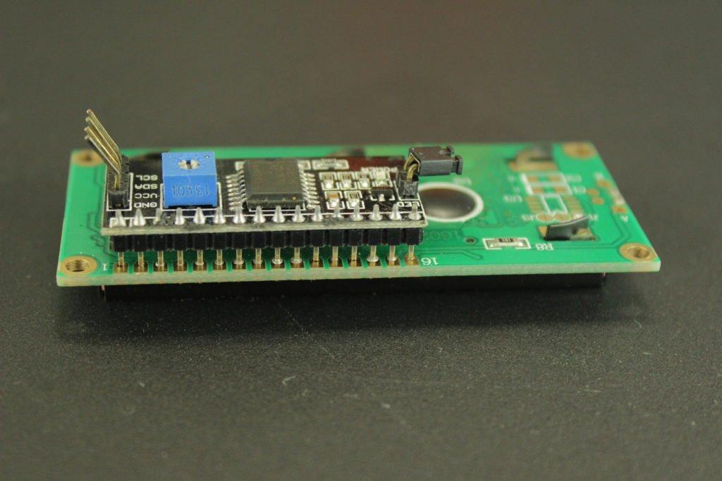 LCD 16x2 por I2C con Arduino: Soldadura del adaptador serial