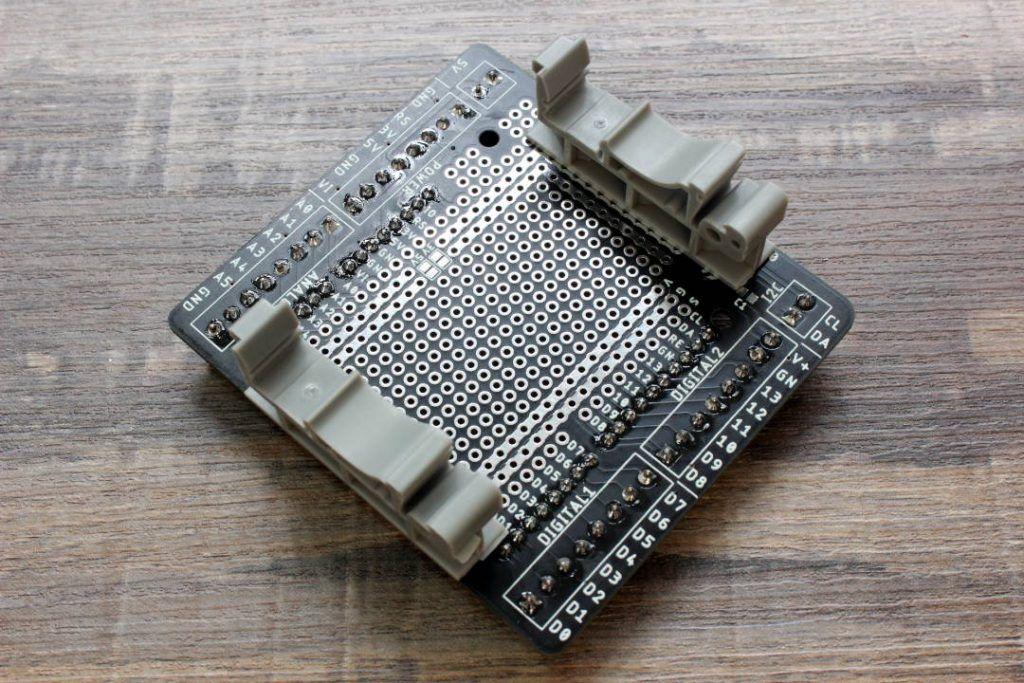 shield de borneras para arduino vista bases riel din